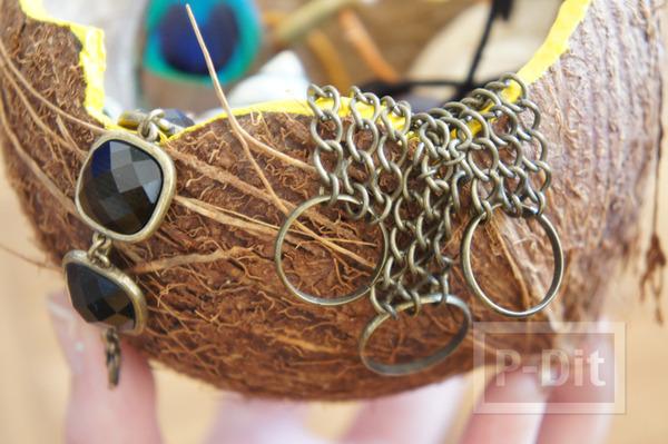 รูป 1 ทำที่ใส่ของ ที่ใส่ขนม จากกะลามะพร้าว