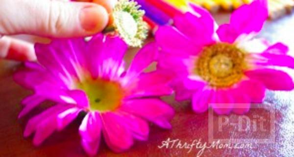 รูป 3 รองเท้าแตะ ตกแต่งลายดอกไม้ สีสดใส