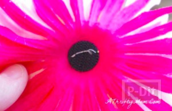 รูป 6 รองเท้าแตะ ตกแต่งลายดอกไม้ สีสดใส