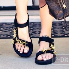 รองเท้ารัดส้นคู่สวย ประดับหมุดแหลม