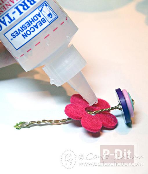 รูป 3 ดอกไม้กระถาง ทำจากกระดุม