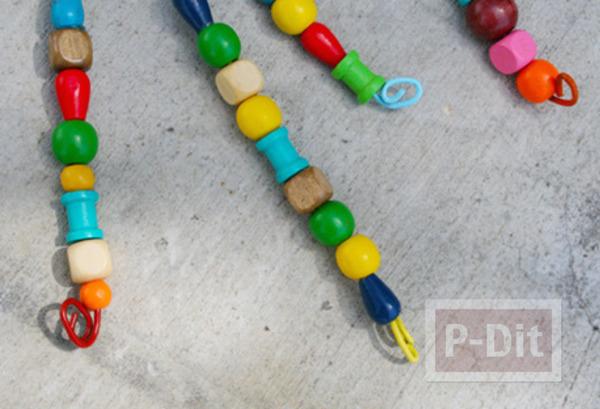 รูป 2 สอนทำของเล่น จากไม้แขวนเสื้อ