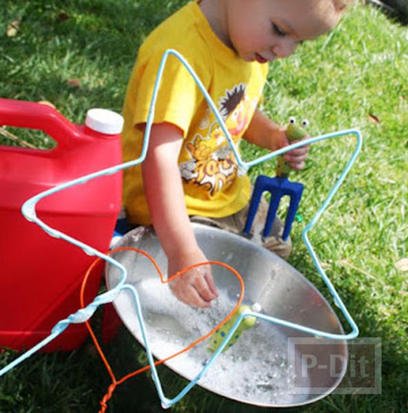 รูป 4 สอนทำของเล่น จากไม้แขวนเสื้อ