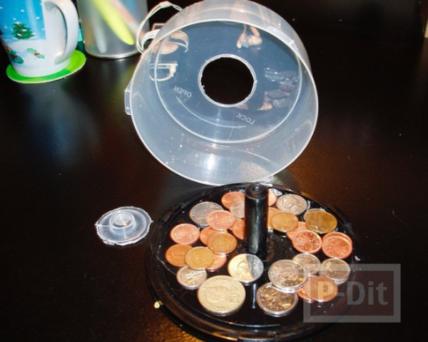 รูป 3 กระปุกออมสิน ทำจากกล่องใส่ CD