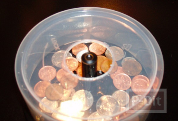 รูป 4 กระปุกออมสิน ทำจากกล่องใส่ CD