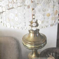 โคมไฟประดับบ้าน ตกแต่งด้วยกระดุม