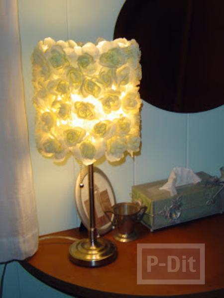 รูป 1 โคมไฟสวยๆ ตกแต่งจากดอกไม้ประดิษฐ์