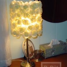 โคมไฟสวยๆ ตกแต่งจากดอกไม้ประดิษฐ์