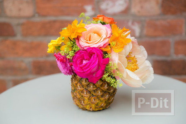 รูป 1 แจกันดอกไม้ประดับบ้าน ทำจากผลไม้