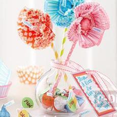 ทำดอกไม้ จากช็อคโกแลต และถ้วยคัพเค้กกระดาษ