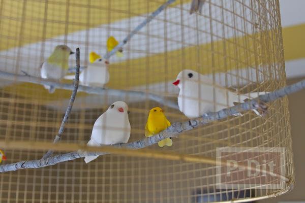 รูป 4 โคมไฟเก่าๆ นำมาตกแต่งใหม่ ใส่ตะแกรง ประดับนก
