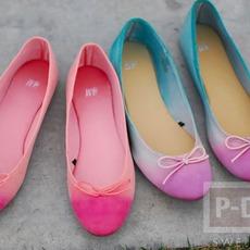 รองเท้าคู่สวย ระบายสีสดใส