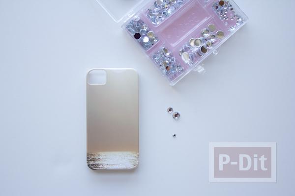 รูป 2 เคสไอโฟน ตกแต่งลายสวย ด้วยเม็ดพลาสติกใส
