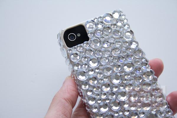 รูป 4 เคสไอโฟน ตกแต่งลายสวย ด้วยเม็ดพลาสติกใส