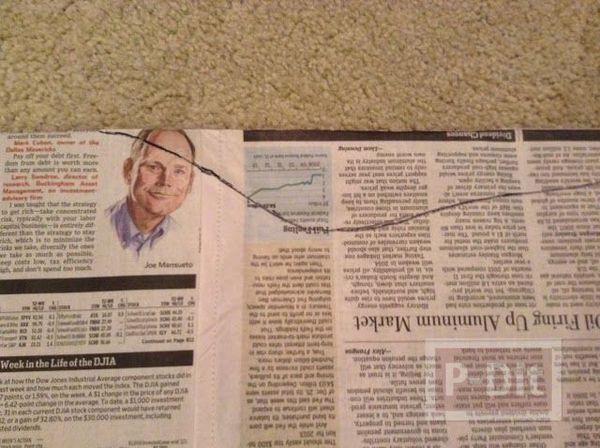 รูป 4 ชุดเดรสสวยๆ ทำจากกระดาษนิตยสาร