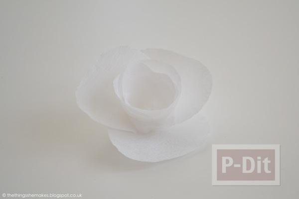 รูป 7 ดอกไม้กระดาษสีขาว เกสรสีเหลือง