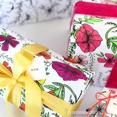 กระดาษห่อของขวัญ ระบายสีสวย
