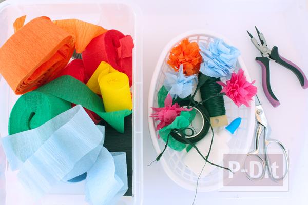 รูป 5 ดอกไม้สีสวย ทำจากกระดาษย่น