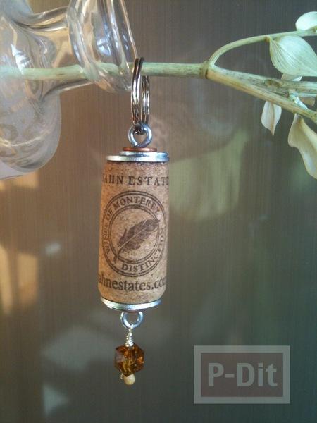 รูป 2 พวงกุญแจ ทำจากไม้ก๊อก จุกไวน์