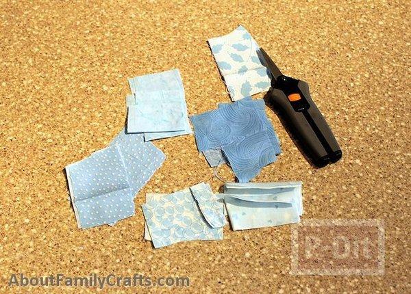 รูป 2 ปูสีฟ้า ทำจากที่ใส่โยเกิร์ต