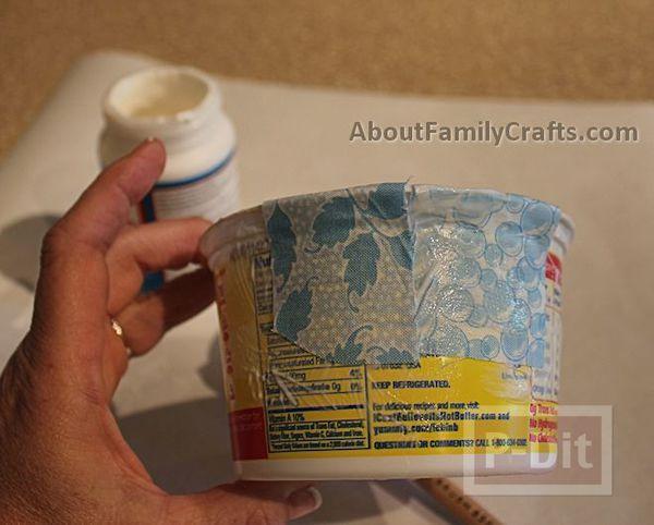 รูป 5 ปูสีฟ้า ทำจากที่ใส่โยเกิร์ต