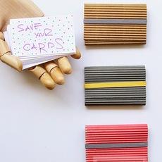 ซองใส่นามบัตร ทำจากกระดาษลูกฟูกสีลอน