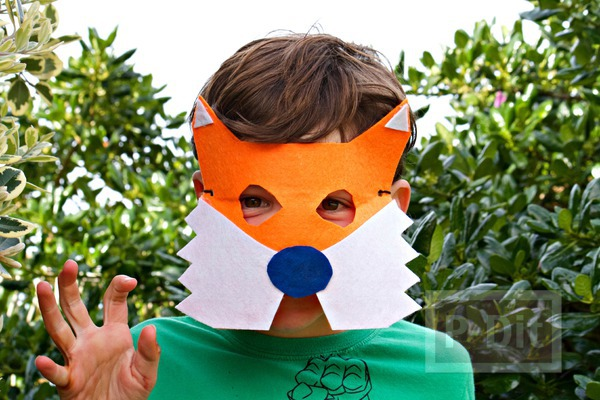 รูป 1 หน้ากากสุนัขจิ้งจอก ทำจากกระดาษ