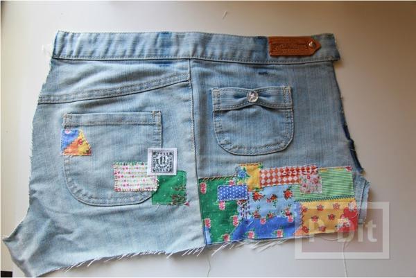 รูป 2 กระเป๋าสะพาย ทำจากกางเกงยีนส์ ตกแต่งเศษผ้า