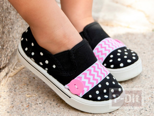 รูป 1 รองเท้าผ้า ประดับริบบิ้นสีสดใส