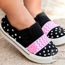 รองเท้าผ้า ประดับริบบิ้นสีสดใส
