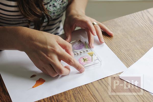 รูป 3 เคสมือถือ ตกแต่งจากใบไม้สีสดใส