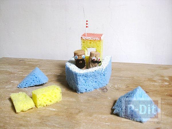 รูป 4 ทำเรือโจรสลัด จากฟองน้ำ สีสด