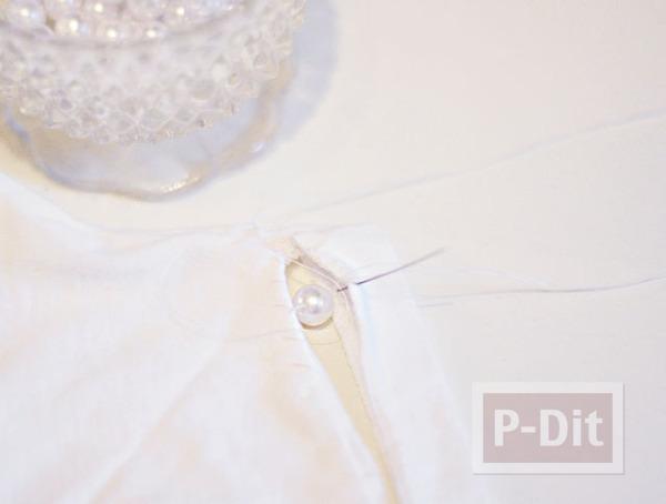 รูป 6 เสื้อยืดสีขาว ประดับเม็ดมุก