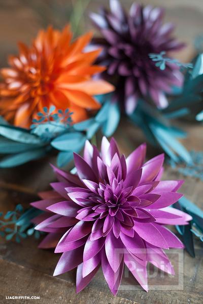 รูป 2 แพทเทิร์นดอกไม้กระดาษแสนสวย ห่อของขวัญ ทำช่อดอกไม้