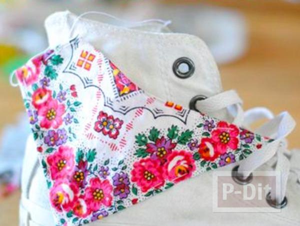 รูป 3 รองเท้าผ้าใบ ตกแต่งลายสวย จากผ้า