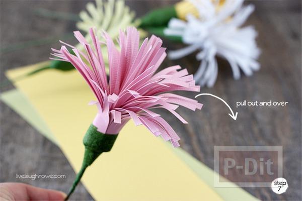 รูป 6 ดอกไม้กระดาษสวยๆ ตัดกระดาษเป็นเส้นๆ