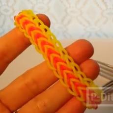 สร้อยข้อมือ ทำจากยางรัดสีสดใส