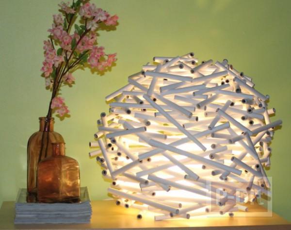 ตกแต่งโคมไฟด้วยกระดาษ ประดับทับเป็นชั้นๆ