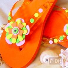 รองเท้าแตะ ตกแต่งลายดอกไม้