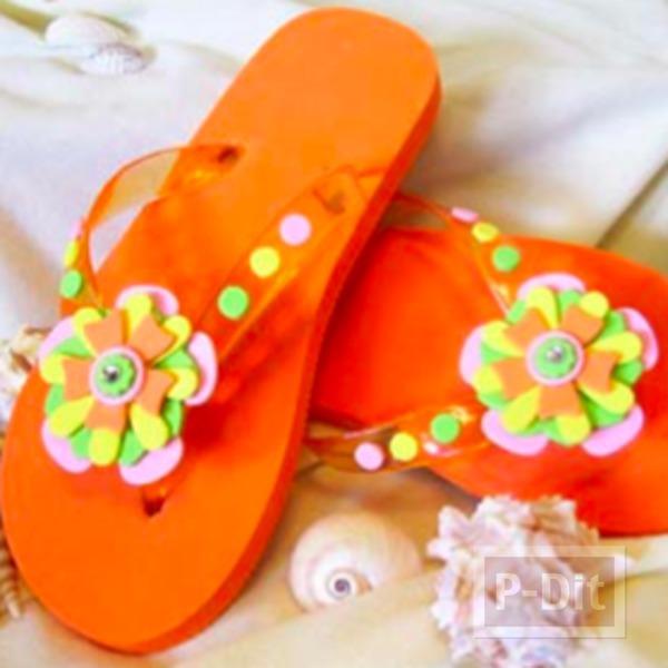 รูป 2 รองเท้าแตะ ตกแต่งลายดอกไม้