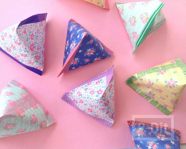 ถุงใส่ขนม พีระมิด ทำจากกระดาษ สก็อตเทปสีสด