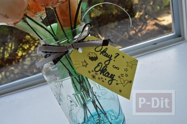 รูป 6 ดอกไม้ ทำจากกระดาษนิตยสาร เก่าๆ