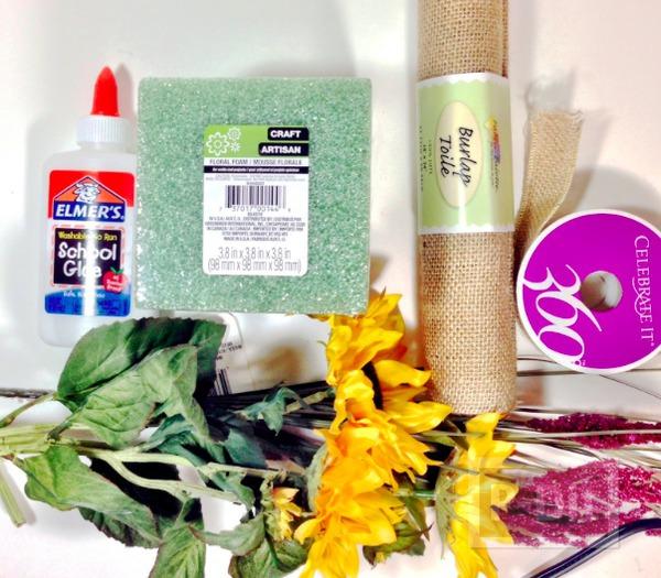 รูป 2 ช่อดอกไม้ปลอม ตกแต่งสวยๆ จากโฟมพลาสติกและผ้า