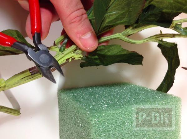 รูป 5 ช่อดอกไม้ปลอม ตกแต่งสวยๆ จากโฟมพลาสติกและผ้า