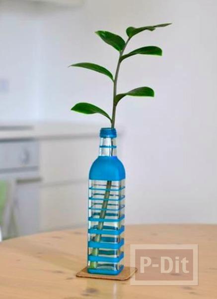 รูป 2 แจกันดอกไม้ ทำจากขวดแก้วทาสี