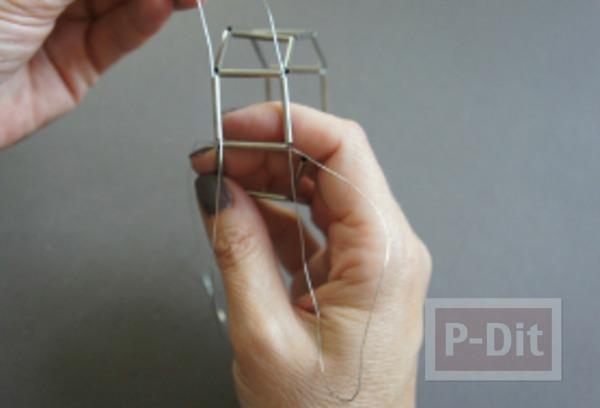 รูป 7 สร้อยข้อมือ ทำจากลวด และท่อเหล็กเล็กๆ