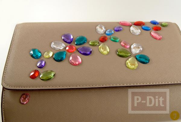 รูป 3 กระเป๋าถือสีเรียบ ประดับเม็ดคริสตัล ลายดอก