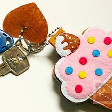 พวงกุญแจ ลายคัพเค้ก น่ารักๆ
