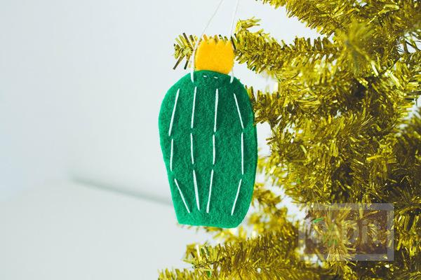 รูป 3 ของประดับต้นคริสต์มาส ทำจากผ้า น่ารักๆ