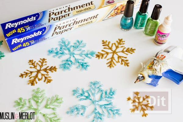 รูป 5 หิมะปลอม ทำจากกาว สีสวย ด้วยสีทาเล็บ